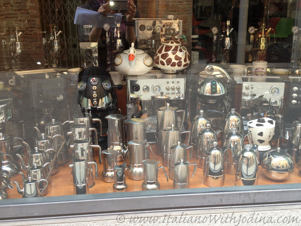 shop window siena italy jodina