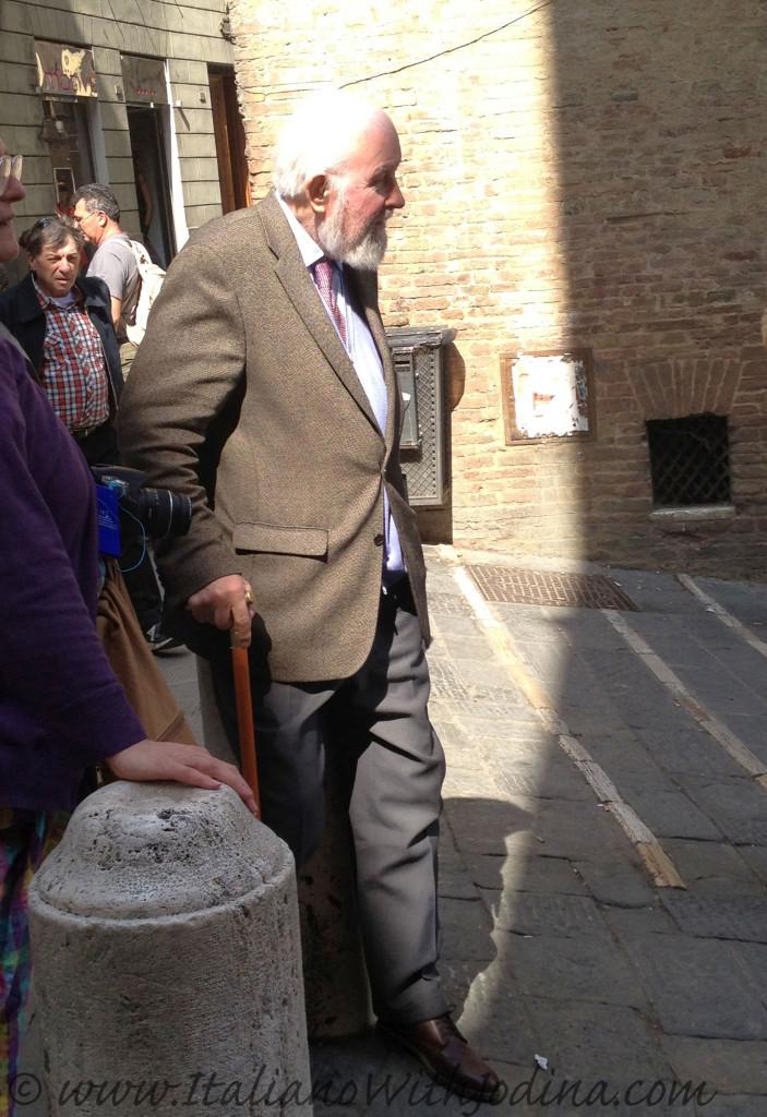 Siena gentleman - signore senese - siena italy jodina
