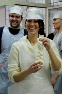 Business students visit a Mozzarella cheese factory_Sant'Anna Institute (1)