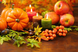 ringraziemento-harvest-cneterpiece-pumpkins-candles-aples