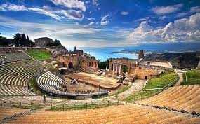 taormina greek roman theatre